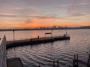 Hamburg, selbst der Himmel setzte ein Zeichen